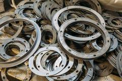 Ομάδα στρογγυλών ελαφριών κτυπημάτων πλήκτρων διαστήματος για την εργαλειομηχανή που χρησιμοποιείται στο μεταλλουργικό εργοστάσιο Στοκ φωτογραφίες με δικαίωμα ελεύθερης χρήσης