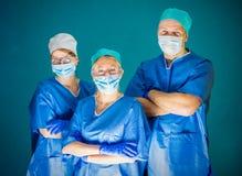 Ομάδα τριών γιατρών στοκ φωτογραφίες με δικαίωμα ελεύθερης χρήσης