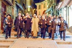Ομάδα ανθρώπων κατά τη διάρκεια της πομπής interfaith ενάντια στο terrori Στοκ φωτογραφία με δικαίωμα ελεύθερης χρήσης