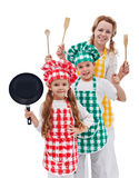 Ομάδα αρχιμαγείρων έτοιμη να μαγειρεψει - παιδιά και η μητέρα τους στοκ εικόνα