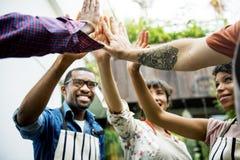 Ομάδα ενίσχυσης της Κοινότητας κοινωνική μαζί στοκ εικόνες