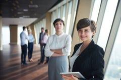 Ομάδα επιχειρηματιών, θηλυκά ως αρχηγούς ομάδας Στοκ Φωτογραφίες