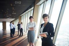 Ομάδα επιχειρηματιών, θηλυκά ως αρχηγούς ομάδας Στοκ Εικόνες