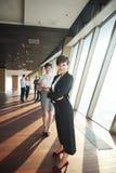 Ομάδα επιχειρηματιών, θηλυκά ως αρχηγούς ομάδας Στοκ φωτογραφία με δικαίωμα ελεύθερης χρήσης