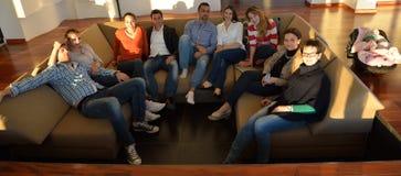 Ομάδα επιχειρηματιών στη συνεδρίαση Στοκ εικόνα με δικαίωμα ελεύθερης χρήσης