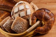 Ομάδα διαφορετικού τύπου ψωμιών Στοκ φωτογραφία με δικαίωμα ελεύθερης χρήσης