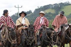 Ομάδα κάουμποϋ που φορούν παραδοσιακά ponchos Στοκ φωτογραφία με δικαίωμα ελεύθερης χρήσης