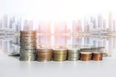 Ομάδα μιας σειράς των νομισμάτων χρημάτων σωρών Στοκ φωτογραφία με δικαίωμα ελεύθερης χρήσης
