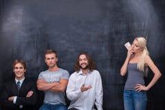 Ομάδα νέου ατόμου ενηλίκων που περιμένει την ύπαρξη Στοκ Φωτογραφίες