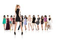 Ομάδα νέων γυναικών που απομονώνονται στοκ φωτογραφία με δικαίωμα ελεύθερης χρήσης