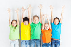 Ομάδα πολυφυλετικών αστείων παιδιών Στοκ φωτογραφία με δικαίωμα ελεύθερης χρήσης