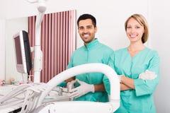 Ομάδα του οδοντικού γραφείου χειρουργικών επεμβάσεων Στοκ φωτογραφίες με δικαίωμα ελεύθερης χρήσης
