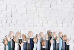 Ομάδα χεριών των διαφορετικών ανθρώπων που ανατρέφεται επιχειρησιακών Στοκ φωτογραφίες με δικαίωμα ελεύθερης χρήσης