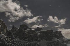 Ομάδα Sella στο σεληνόφωτο, Dolomiti Στοκ φωτογραφίες με δικαίωμα ελεύθερης χρήσης