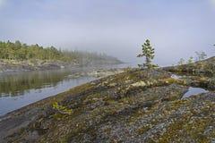 Ομίχλη Ladoga skerries Καρελία, Ρωσία Στοκ εικόνες με δικαίωμα ελεύθερης χρήσης