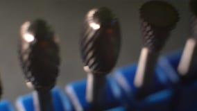 Ομαλό πανόραμα κινηματογραφήσεων σε πρώτο πλάνο σαλιασμάτων φιλμ μικρού μήκους