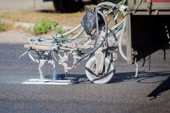 Ομαδική εργασία: Δρόμος ασφάλτου πεζοδρομίων που χαρακτηρίζει το χρώμα και Στοκ Φωτογραφίες