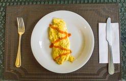 Ομελέτα με τη σάλτσα στοκ εικόνα με δικαίωμα ελεύθερης χρήσης