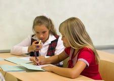 ομιλία μαθητριών στοκ εικόνα