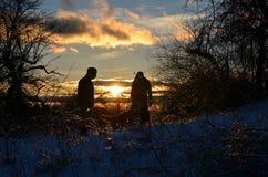 Ομιλία στον πατέρα της καθώς αναρριχείται στο βουνό στο NH Στοκ φωτογραφίες με δικαίωμα ελεύθερης χρήσης