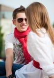 ομιλών έφηβος ζευγών Στοκ φωτογραφία με δικαίωμα ελεύθερης χρήσης