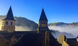 Ομιχλώδες πρωί, στην κεντρική/νότια Γαλλία στοκ εικόνα με δικαίωμα ελεύθερης χρήσης
