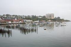 Ομιχλώδες πρωί στο λιμάνι του Πόρτλαντ στοκ εικόνες