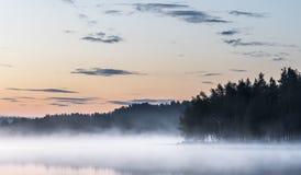 Ομιχλώδες summernight Στοκ Φωτογραφίες
