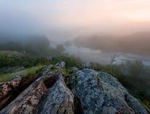 ομιχλώδης ποταμός πρωινού Στοκ Εικόνα