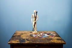 Ομοίωμα και πινέλα καλλιτέχνη Στοκ Φωτογραφίες