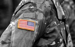 Ομοιόμορφη σημαία μπαλωμάτων αμερικάνικου στρατού στρατός εμείς τεθωρακισμένων επιθέσεων πράσινο m4a1 στρατιωτικό τουφέκι s σημαι στοκ φωτογραφίες με δικαίωμα ελεύθερης χρήσης