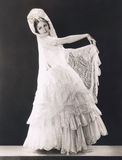 Ομορφιά που ντύνεται λατινική στη δαντέλλα Στοκ Φωτογραφίες