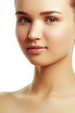 ομορφιά φυσική Όμορφο πρόσωπο της νέας καυκάσιας γυναίκας Στοκ φωτογραφία με δικαίωμα ελεύθερης χρήσης