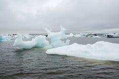Ομορφιές της Ισλανδίας, παγωμένες συστάδες πάγου Στοκ Φωτογραφία