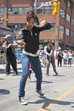 ομοφυλοφιλική οδός Τορόντο εκτέλεσης χορευτών Στοκ εικόνα με δικαίωμα ελεύθερης χρήσης