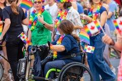 Ομοφυλοφιλική υπερηφάνεια στη Ρώμη, Ιταλία Πλήθος των διαμαρτυρομένων στο τετράγωνο στοκ εικόνα