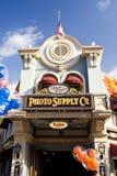 ομο Disneyland ανεφοδιασμός φωτ&omi Στοκ Εικόνες