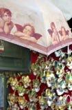 ομπρέλα Βενετία αναμνηστικών putti μασκών Στοκ εικόνα με δικαίωμα ελεύθερης χρήσης