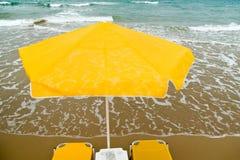 ομπρέλα εδρών στοκ εικόνα με δικαίωμα ελεύθερης χρήσης