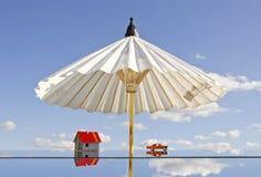 ομπρέλα συμβόλων καθρεφ&tau Στοκ Φωτογραφία