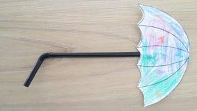 Ομπρέλα τέχνης παιδιών γίνοντη κατ' οίκον στοκ εικόνες
