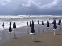 ομπρέλες άμμου παραλιών Στοκ Εικόνα