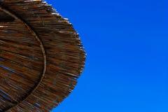 ομπρέλα διακοπών έννοιας παραλιών Στοκ Φωτογραφία