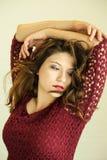 ομπρέλα κοριτσιών κινούμενων σχεδίων brunette ομορφιάς Στοκ φωτογραφίες με δικαίωμα ελεύθερης χρήσης