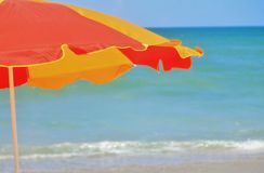 Ομπρέλα στην παραλία Στοκ φωτογραφία με δικαίωμα ελεύθερης χρήσης