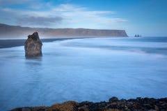 Ονειροπόλος παραλία στην Ισλανδία Στοκ φωτογραφία με δικαίωμα ελεύθερης χρήσης