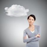 Ονειροπόλο μυστήριο κορίτσι με το σύννεφο στοκ φωτογραφία με δικαίωμα ελεύθερης χρήσης