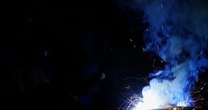 Οξυγονοκολλητές που ενώνουν στενά ένα μέταλλο