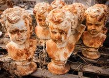 Οξυδωμένα αγαλματώδη κεφάλια Στοκ Εικόνα