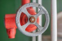 Οξυδωμένη αντιμετωπισμένη firehose έξοδος στοκ εικόνα με δικαίωμα ελεύθερης χρήσης